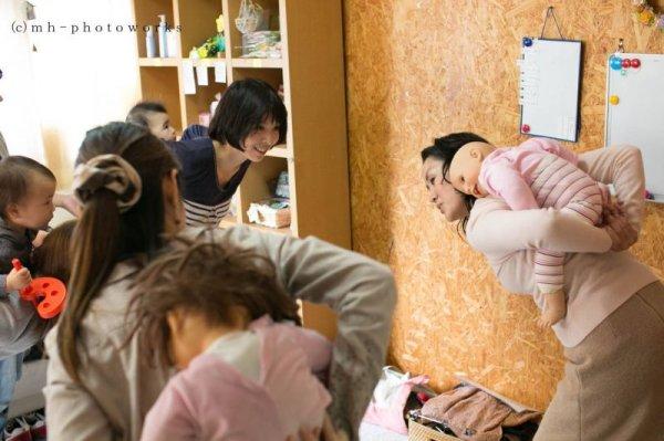 画像1: (出張)    心を寄せ合う子育てのしぐさ しあわせだっことおんぶのワークショップ